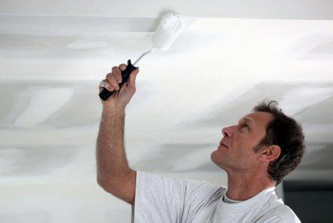 Как покрасить потолок