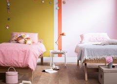 Декоруєте кімнату для двох дівчат?  З'єднати два різні характери в одному просторі можна, вміло використовуючи колір.
